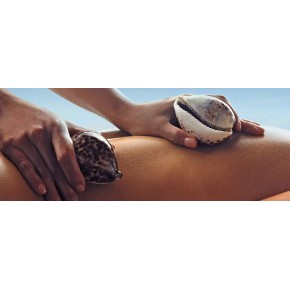 Masaje con Esencias y caracolas marinas.